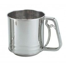 Chef Inox 5 Cup Flour Sifter - Squeeze Handle